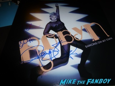 Robyn Fan Photo Signing Autographs Jimmy Kimmel Live  3