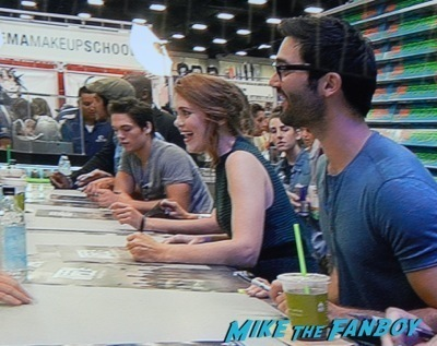 Teen Wolf Cast autograph signing sdcc 2014 tyler posey2