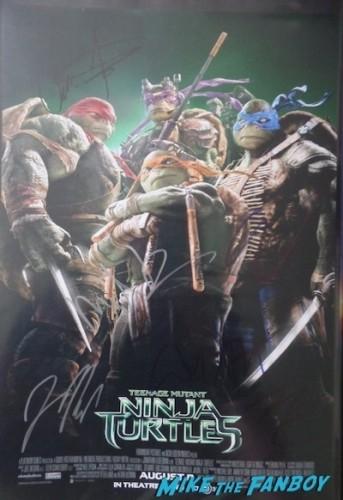 megan fox signed autograph Teenage Mutant Ninja Turtles Premiere megan fox signing autographs hot 12