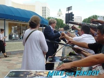 Teenage Mutant Ninja Turtles Premiere megan fox signing autographs hot  8