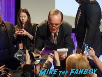Marvel's Agents of S.h.i.e.l.d. paleyfest clark gregg signing autographs ming na hot