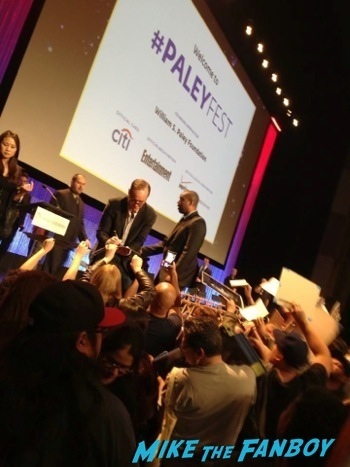The Agents of S.H.I.E.L.D. paleyfest clark gregg signing autographs 5