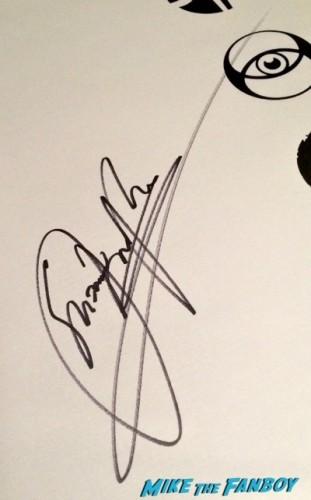 divergent autograph signing sdcc 2014 shailene woodley 3