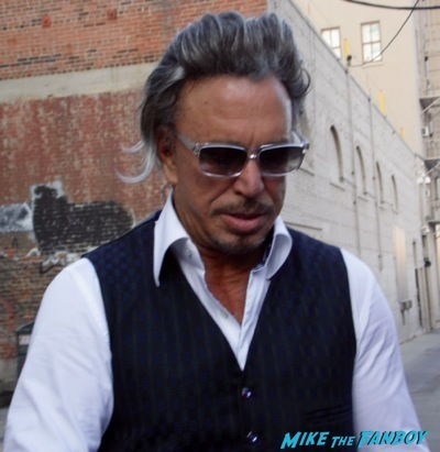 mickey rourke signing autographs jimmy kimmel live   3