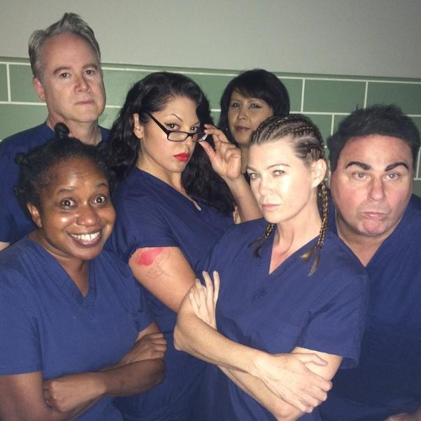Grey's anatomy cast orange is the new black cast selfie rare