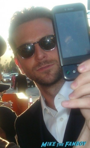 bradley cooper signing autographs All About Steve Premiere sandra bullock signing autographs for fans bradley cooper  7
