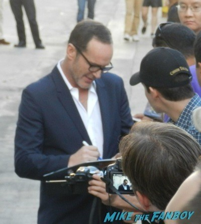 Clark Gregg signing autographs for Fans jimmy kimmel live jennifer love Hewitt diesses people  1