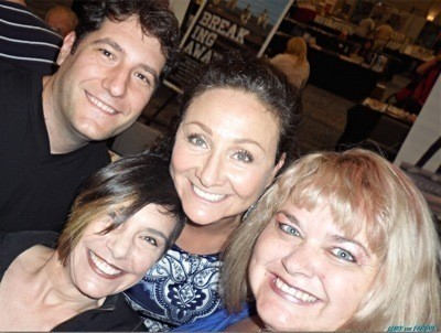 Sixteen candles reunion selfie rare liane curtis debbie pollack Courts Celebrity Show Katherine Helmond now selfie fan photo signing autographs danny pintaro 1