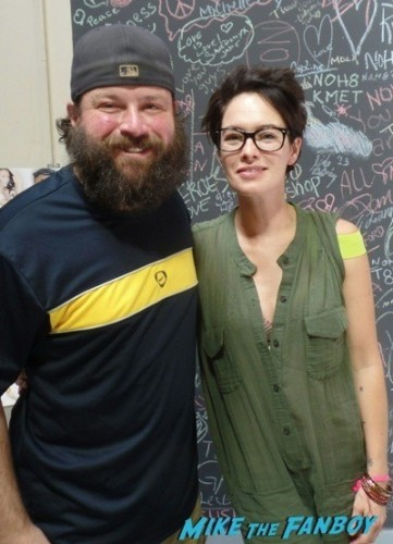 Lena Headey fan photo signing autographs game of thrones  2