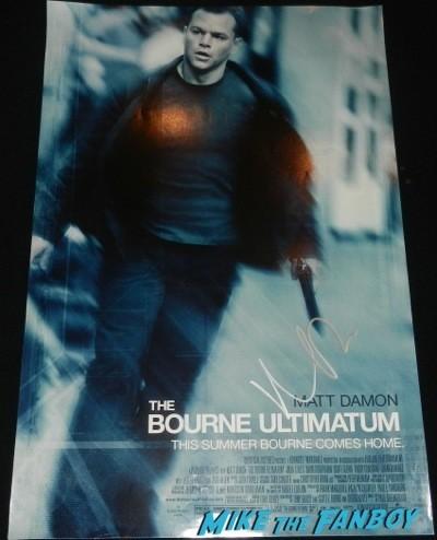 Matt Damon signed autograph bourne ultimatum mini poster signing autographs jonathan silverman 2014 weekend at bernie's 11