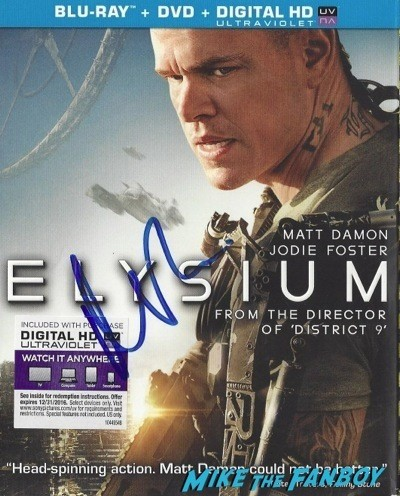 Matt Damon signed autograph magazine GQ signing autographs jonathan silverman 2014 weekend at bernie's   29
