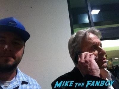Michael Douglas fan photo signing autographs selfie photo flop   2