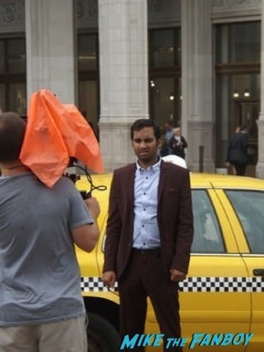 Parks and Recreation filming on location in Chicago chris prat Aziz Ansari 22