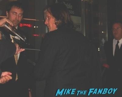 Viggo Mortensen signing autographs the road premiere afi film festival   44