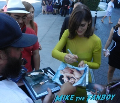 lizzy caplan celebrities signing autographs emmy awards parties autograph signature 14