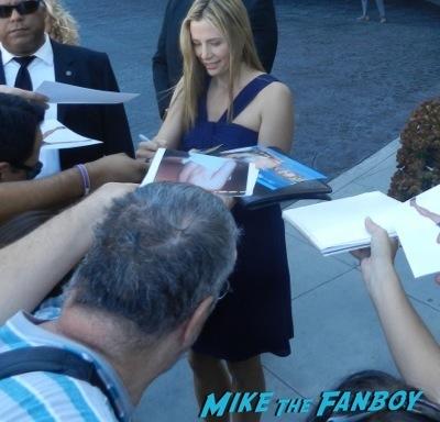 mira sorvino celebrities signing autographs emmy awards parties autograph signature 20