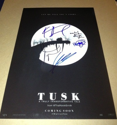 tusk movie premiere kevin smith signing autographs jason mewes  5