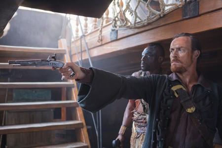 Black Sails season 1 - Flint pointing