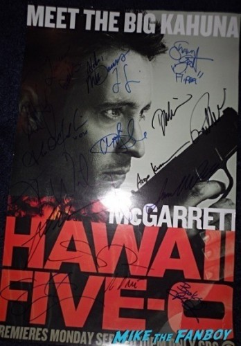 Hawaii 5-0 comic con mini poster signed autograph Sunset at the beach season 5 premiere event scott caan 19