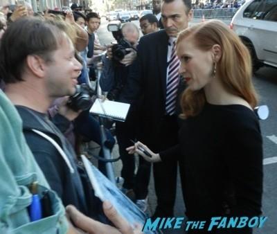 jessica chastain signing autographs Interstellar movie premiere Anne Hathaway jessica chastain signing autographs 14