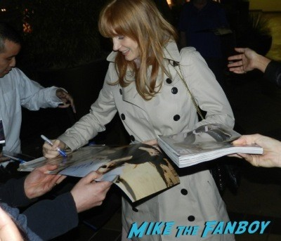 Jessica Chastain signing autographs fan photo selfie rare 1