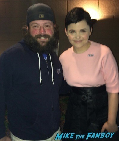 ginnifer Goodwin fan photo Once Upon A Time premiere lana parilla signing autographs  11