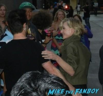 Portia de Rossi signing autographs jimmy kimmel live 2014  6