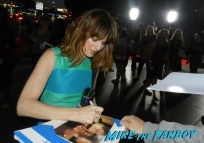 Rosemarie Dewitt signing autographs The Men, Women & Children Premiere Jennifer Garner signing autographs dean norris 6