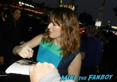 Rosemarie Dewitt signing autographs The Men, Women & Children Premiere Jennifer Garner signing autographs dean norris 6