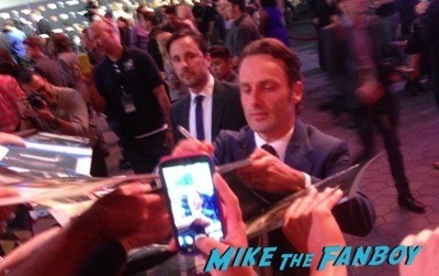 andrew lincoln signing autographs The Walking Dead Season 5 Premiere Norman Reedus Andrew Lincoln signing autographs 24