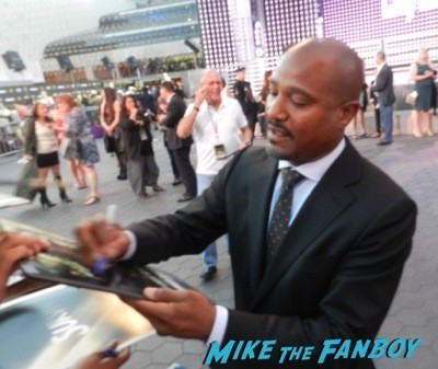 seth gilliam signing autographs The Walking Dead Season 5 Premiere Norman Reedus Andrew Lincoln signing autographs  4
