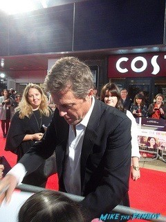 The rewrite UK premiere Hugh Grant signing autographs hot 1