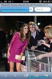 Elizabeth Hurley fan photo rare The rewrite UK premiere Hugh Grant signing autographs hot 5