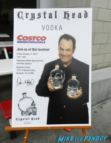 dan aykroyd crystal head vodka autograph signing costco burbank halloween 42