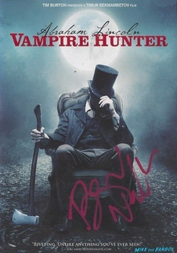 ABRAHAM lincoln vampire hunter signed dvd cover