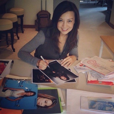 ming na wen signing fanmail ttm