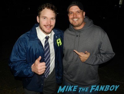Chris Pratt fan photo signing autographs parks and recreation on location 11