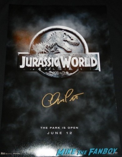 Chris Pratt signed Jurassic World mini poster rare teaser promo