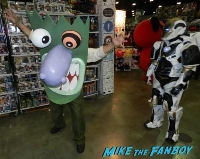 Comikaze 2014 Cosplay Guardians of the Galaxy arrow 42