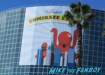 Comikaze expo 2014 convention floor stan lee signed autograph 1
