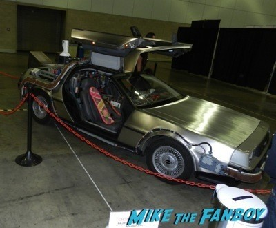hollywood sci fi museum Comikaze expo 2014 convention floor stan lee signed autograph 53