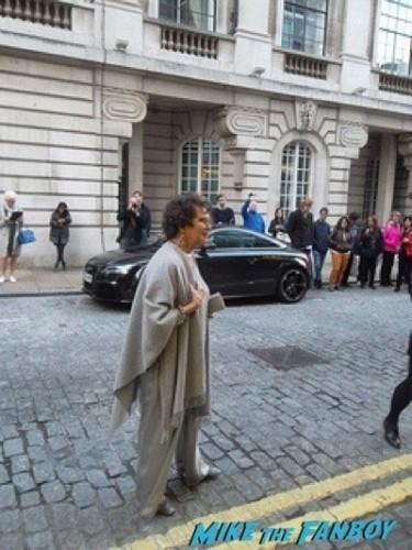 Effie Gray premiere london dakota fanning signing autographs 9