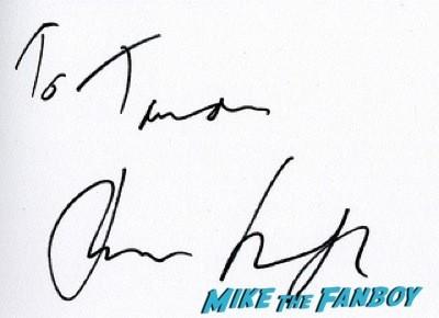 Tom Sturridge fan photo selfie Effie Gray premiere london dakota fanning signing autographs 11