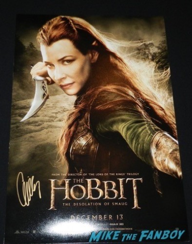 Evangeline Lilly signed autograph the hobbit mini poster siging autographs jimmy kimmel live 2014 34