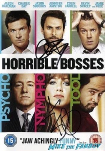 charlie day signing autographs Horrible Bosses 2 premiere london jason sudekis signing autographs 3