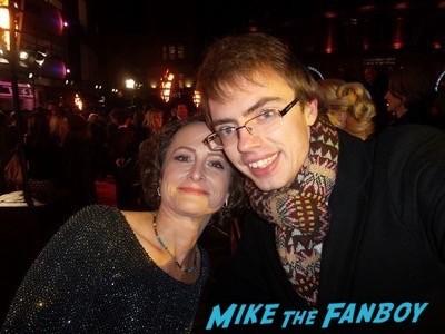 Nina Jacobson signing autographs Hunger Games Mockingjay London Premiere Jennifer Lawrence signing autographs liam hemsworth 14