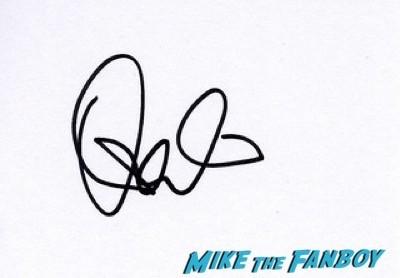 Donald Sutherland signing autographs Hunger Games Mockingjay London Premiere Jennifer Lawrence signing autographs liam hemsworth 14