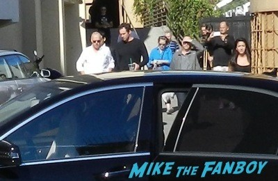 Michael KEaton signing autographs but skipping fans birdman q and a  3