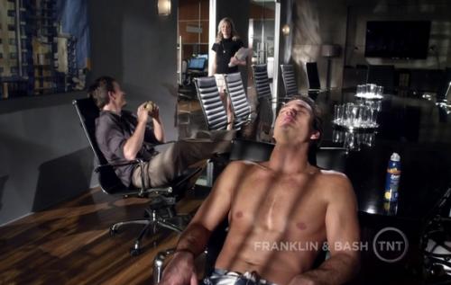 Mark-Paul Gosselaar shirtless naked dude abs