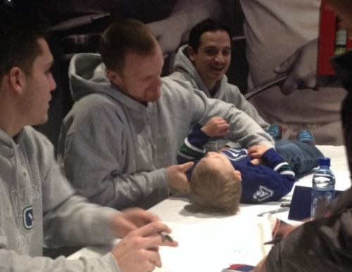 canuks autograph baby at signing